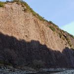 日本有数の大岩、一枚岩。残念ながら拙堂の文人的な命名、齊雲岩と賽赤壁は残っていない。
