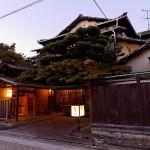 七里の渡しに近い船津屋は明治四十二年に鏡花が泊まった宿。その際の印象が「歌行燈」の「湊屋」に活かされた。